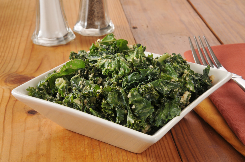 Kale salad with cashews, tamari and sesame seeds is high in vitamin e